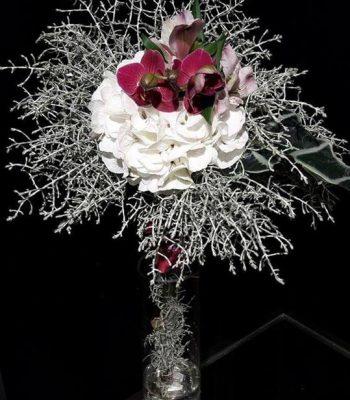 Bilde av blomsterbukett i vase